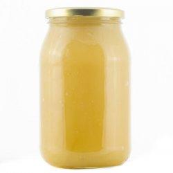 Miód lipowy skrystalizowany ma przyjemny, jasno bursztynowy kolor