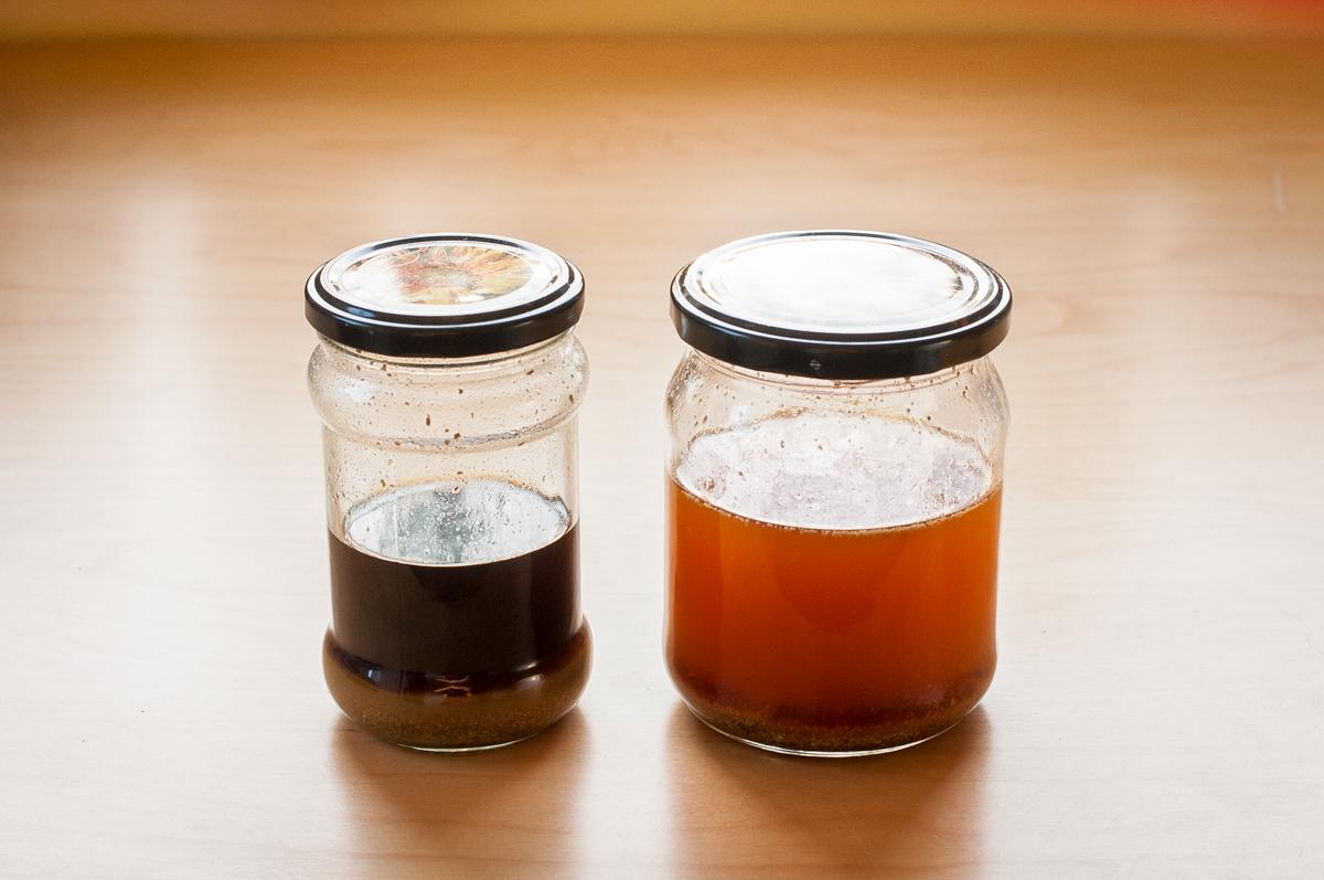 gotowa nalewka propolisowa oraz świeżo przygotowany roztwór alkoholu z propolisem